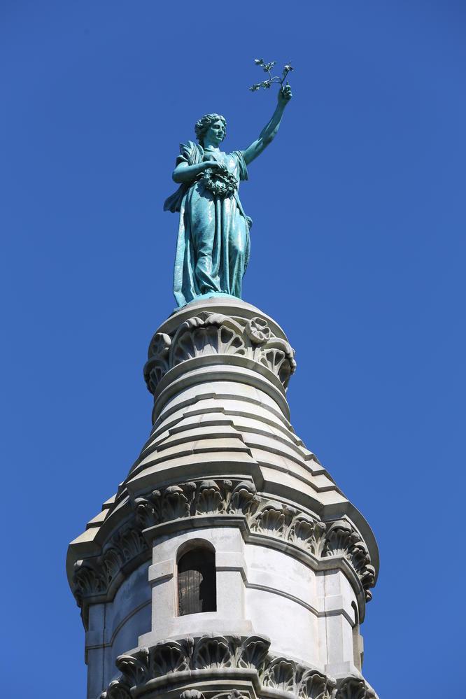 East Rock 山頂的和平天使