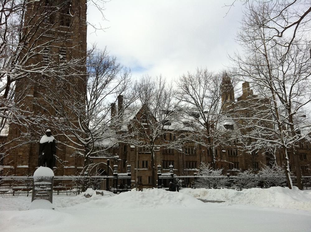 耶鲁校园雪景